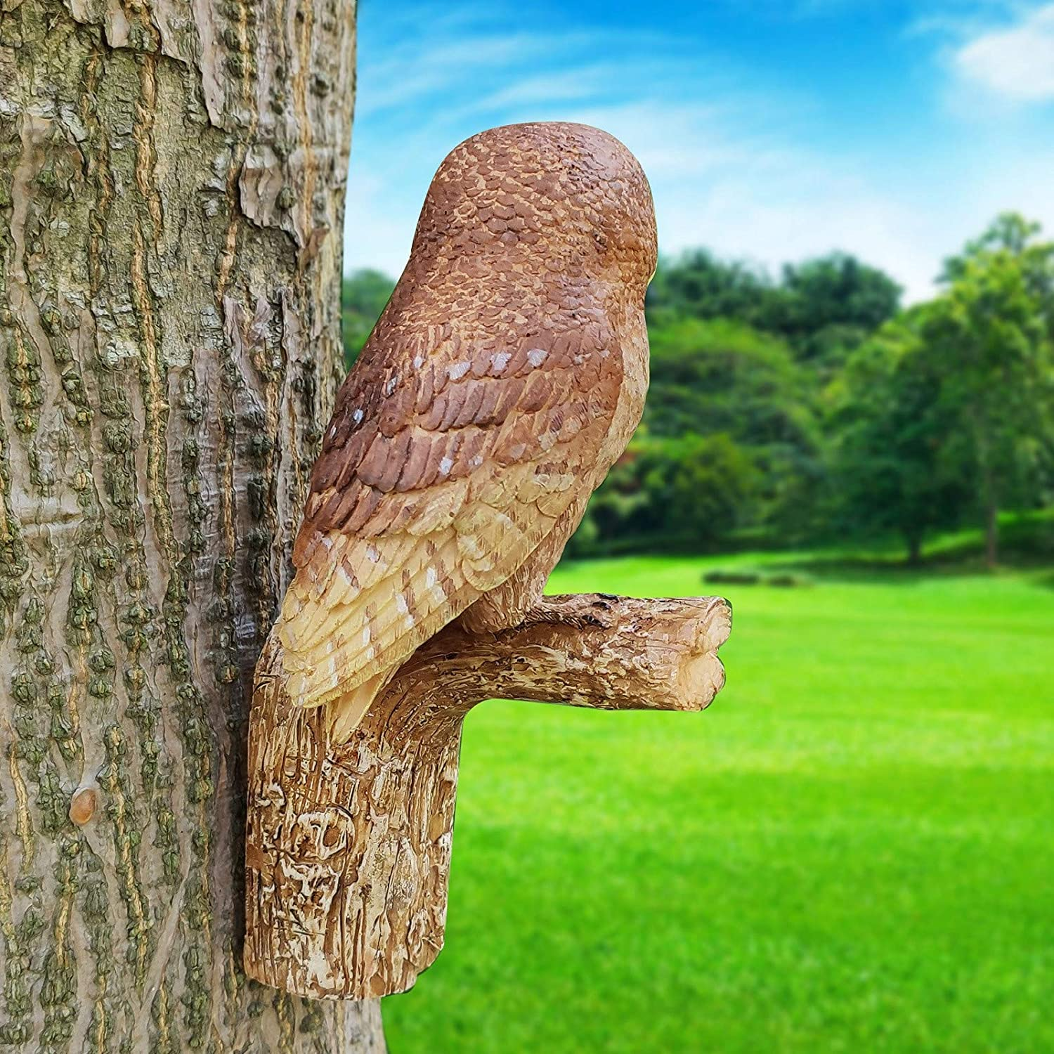 Owl-shaped resin statue simulation sculpture tree hanging, terrace garden lawn decoration, indoor and outdoor autumn garden art garden decoration